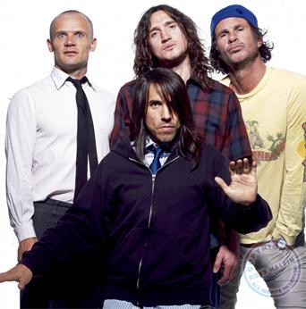 Esta es una imagen de los 4 miembros del grupo norteamericano Red Hot Chili Peppers.